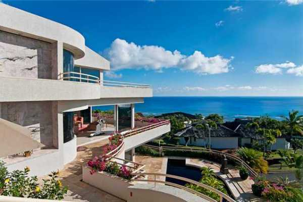 This is Hawaii Loa Ridge home (MLS# 1015065) is currently available for $3,875,000.00
