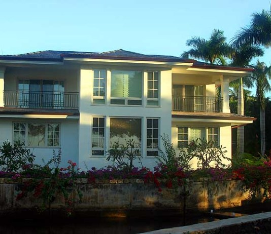 Beachfront Home - Kahala Area