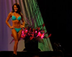 Lauren Cheape, swimsuit competition