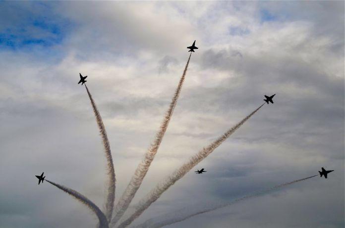 US Navy Blue Angels Flight Demonstration Team