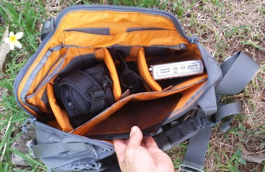 The Trident-20 comes with three padded dividers with hook and loop attachments so that you can self-configure the pack. Great for photographers.