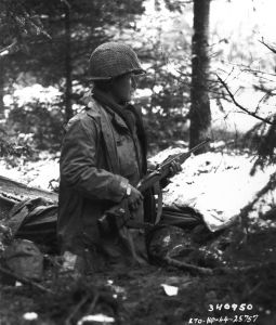 800px-442nd_US_Army_RCT_squad_leader_in_france