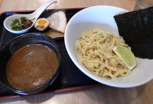Dew Drop Inn/京露 中華料理