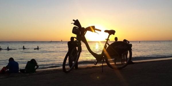 bikeshare-hawaii-beach