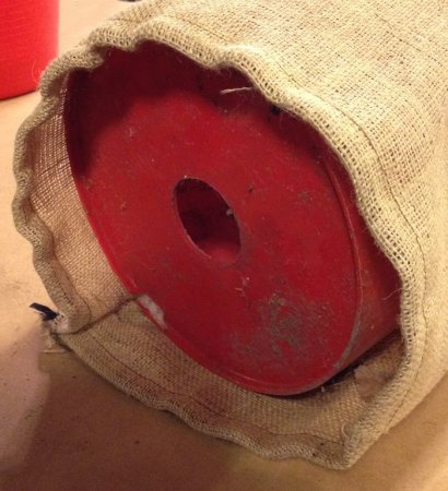 instructions for turning a 5 gallon bucket into a cheap outdoor planter using burlap