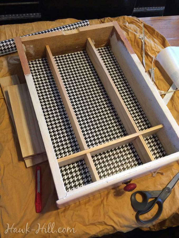 DIY Instructions to make kitchen drawer dividers: Hawk-Hill.com