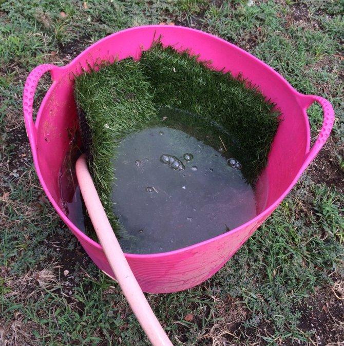 astrotuf nesting box liners soaking in vinegar solution