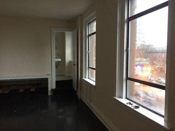 empty seattle studio apartment