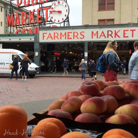 donut peaches in a gerocery stall at Pike Place Market