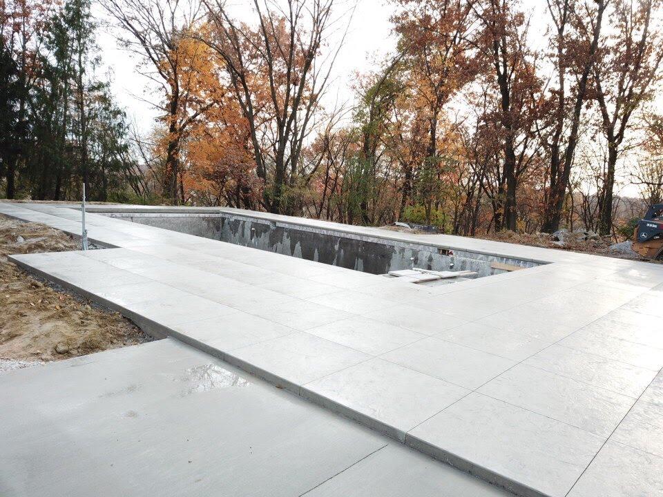 Elegant Backyard Pool