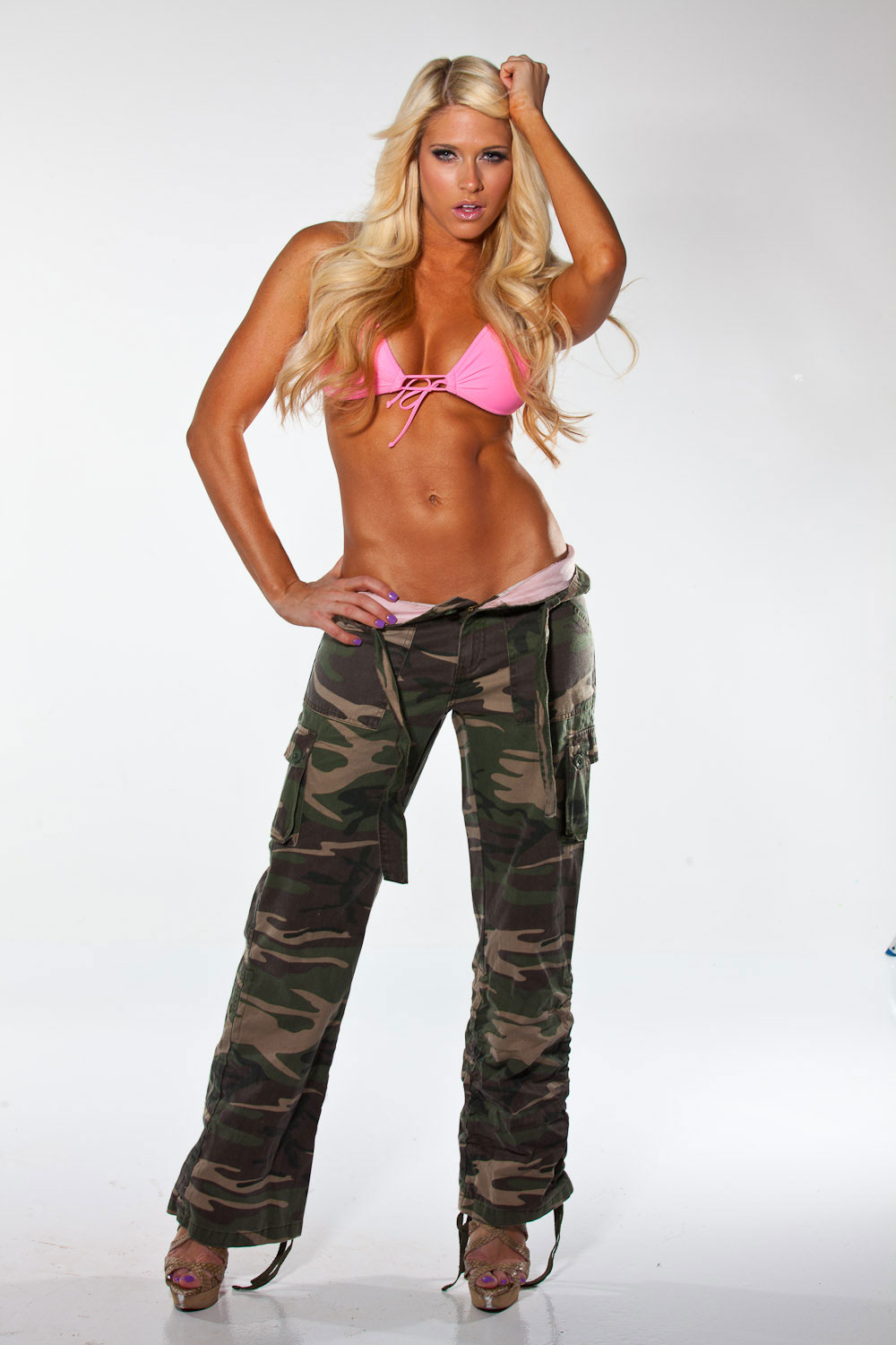 Kelly Kelly In Pink Bikini Top And Combats Pants HawtCelebs