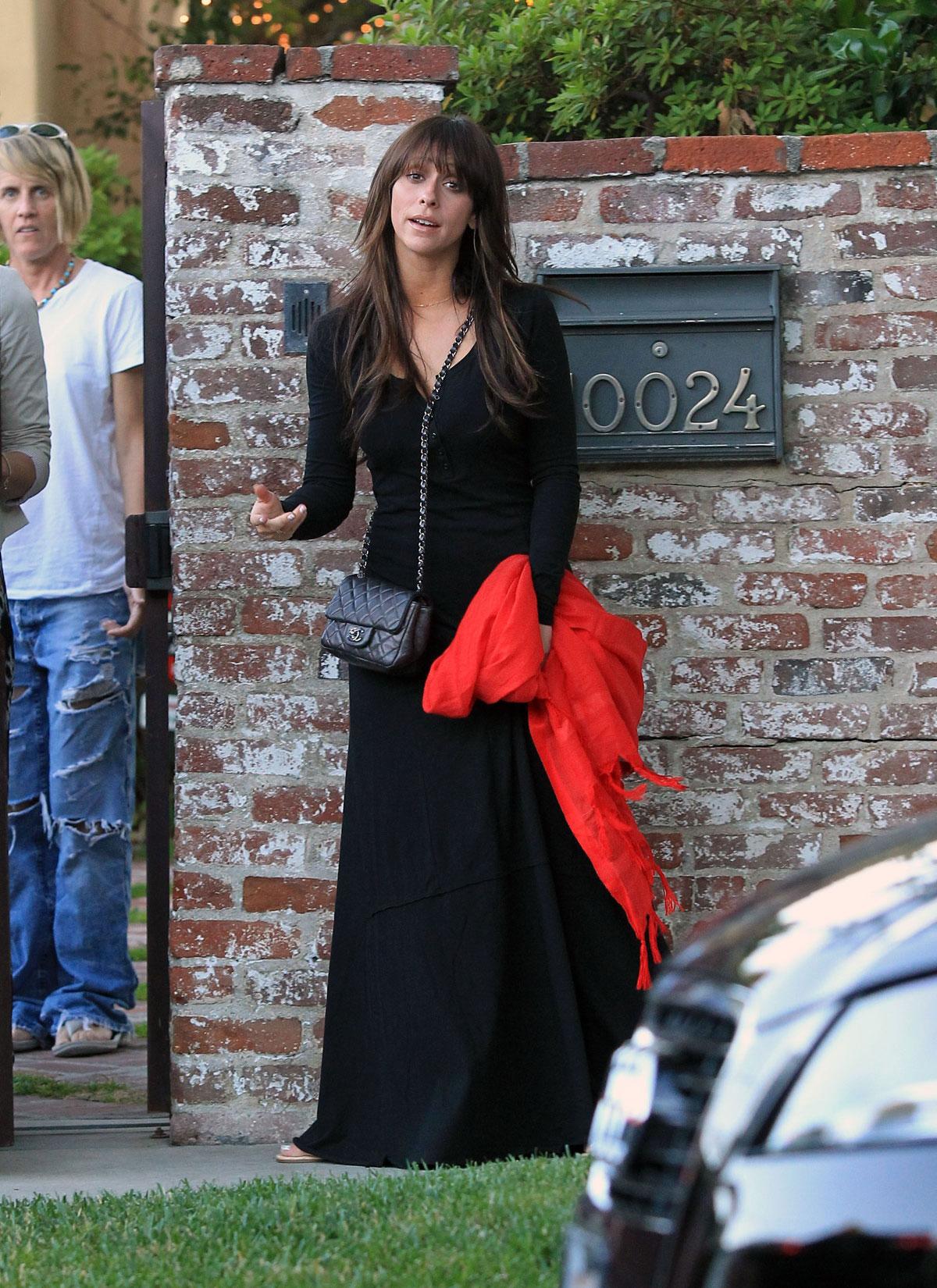 JENNIFER LOVE HEWITT Leaves Her House In Los Angeles
