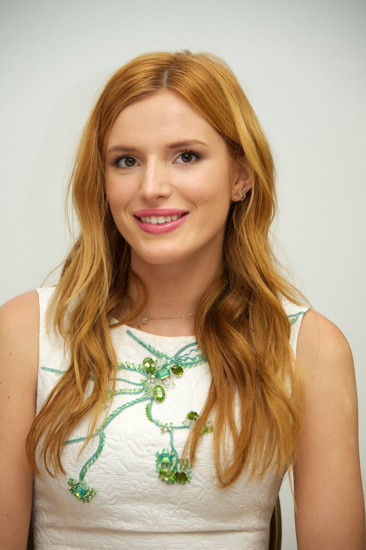 Bella Thorne At Alexander And The Terrible Horrible No