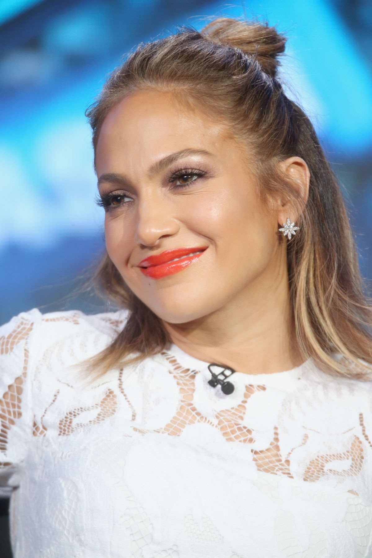 JENNIFER LOPEZ at American Idol Panel at 2016 Winter TCA Tour in