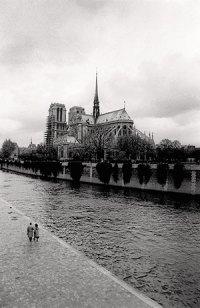 אחת התמונות הראשונות של נוף פריזאי שצילם לואי דגראט (שעל אודותיו  נספר בפרק הבא)