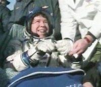 מייקל באראט, בצאתו מהחללית סויוז TMA-14 בקזחסטן