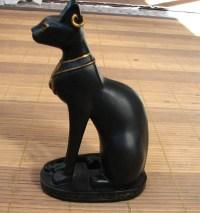 האלה החתולה שהתגלתה במקדש מצרי