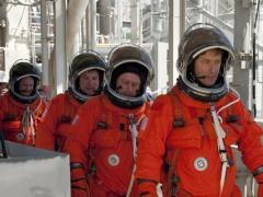 האסטרונאוטים של מעבורת חלל אנדוור במשימה STS-134 בחזרה הכללית לקראת השיגור