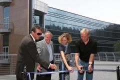 יוני 2007: זהר זיסאפל ובתו כליל, פרופסור יצחק אפלויג ויהודה זיסאפל בחנוכת המרכז לננו-אלקטרוניקה