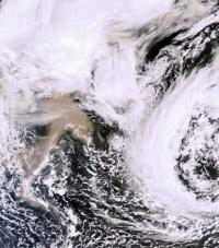 צילום לוויני של פלומת האפר מהר הגעש באיסלנד, 23 במאי 2011. סוכנות החלל האירופית