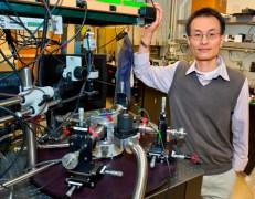 """פיידונג יאנג, כימאי מהמחלקה למדעי החומרים במעבדה הלאומית ע""""ש לורינס בברקלי"""
