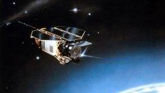 הלוויין ROSAT מתקרב לאטמוספירה. איור: DLR