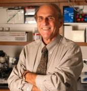פרופ' ראלף סטיינמן, מגלה תאי החיסון. זוכה פרס הובל לרפואה לשנת 2011. מתוך ה-NIH