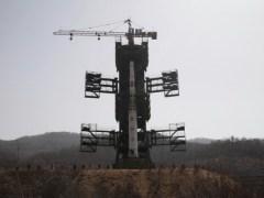 המשגר הקוריאני Unha-3 על כן השיגור, לפי שיגורו הכושל ב-13/4/2012.
