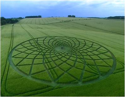 יצירה שהוכנה ב-2005 לכבוד סדרה של ה-BBC ואשר עסקה במעגלי התבואה