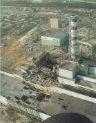 הכור הפגוע בצ'רנוביל, זמן קצר לאחר האסון. מתוך ויקיפדיה