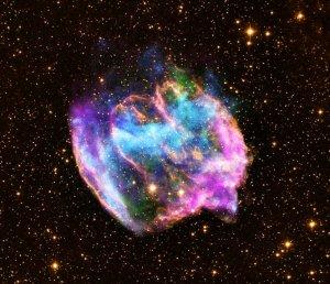 שרידי הסופרנובה W49B. (X-ray: NASA/CXC/MIT/L.Lopez et al; Infrared: Palomar; Radio: NSF/NRAO/VLA)