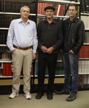 מימין: איציק קופר, פרופ' מתי פרידקין ופרופ' יורם שכטר. מחסומים