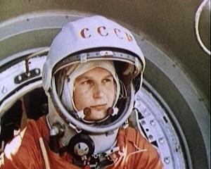 הקוסמונאוטית הסובייטית ולנטינה טרשקובה, האישה הראשונה ששוגרה לחלל בחללית מדגם ווסטוק ב-16 ביוני 1963. צילום: סוכנות החלל הרוסית רוסקסומוס (Roscosmos)