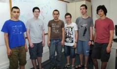כיתוב לתמונה 1: מימין: עופר גרוסמן, יואב קראוז, ניצן טור, תום קלוורי, אמוץ אופנהיים, עומרי סולן