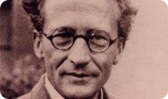 ארווין שרדינגר, מפתח המשוואה המסבירה את תורת הקוונטים.