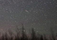 מטאור בהיר במטר הג'ירף, 24 במאי 2014, כפי שצולם מדולות' מיניסוטה. צילום: בוב קינג, universe today