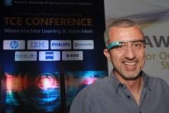 פרופ' פיימן מילנפאר עם משקפי גוגל בכנס TCE שהתקיים בטכניון. צילום: יוסי שרם, דוברות הטכניון