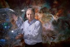שיעור בצניעות. פרופסור מריו ליביו התמונה באדיבות NASA, ESA, and J. Coyle Jr. (for STScI)