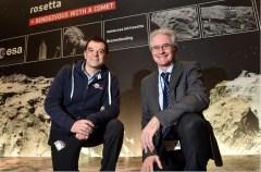מנהל הטיסה של סוכנות החלל האירופית אנדראה אקומאזו ומנהל המשימות בסוכנות פאולו פר ב-ESOC - מרכז הבקרה של סוכנות החלל האירופית בדארמשטאט, 11 בנובמבר 2014. צילום ESA,/J NAI