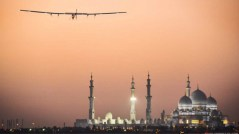 אנרגיה ירוקה בשמיים. סולאר אימפולס 2 בשמי דובאי. photo: Solar Impulse