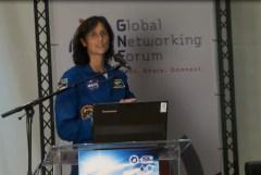 האסטרונאוטית סוניטה ויליאמס בכנס ה-IAC ירושלים, 16/10/15. צילום: אבי בליזובסקי