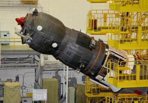 חללית המטען פרוגרס 65 בעת ההכנה לשיגור. צילום: רוסקוסמוס