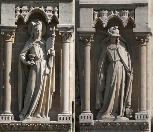 מעצבי הכנסיות בימי הביניים ביקשו ללמד את המאמינים כי הנצרות עליונה על פני היהדות. כך נולדו שתי דמויות לא אנושיות: אֶקְלֶזְיָה – שסימלה את הכנסייה, וסִינָגוֹגָה – את בית הכנסת. צילום: Nitot / Ingsoc / Wikimedia.
