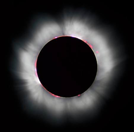 """מכוני חקר אקלים וחלל מהמובילים בעולם, ביניהם גםנאס""""א, ישתמשו בטכנולוגית הקישוריות של חברת מלאנוקס כדי להעביר את כמות הנתונים העצומה שתאסף במהלך ליקוי החמה המלא. צילום: Luc Viatour / Wikimedia."""