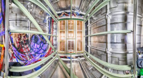 בניית אב טיפוס של הגלאי של פרויקט DUNE. מקור: Fermi National Accelerator Laboratory.