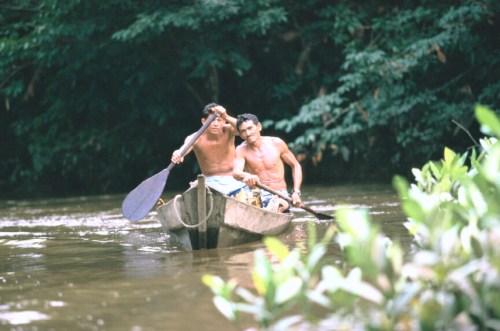 דייגים בנהר האמזונאס, ברזיל. צילום: Julio Pantoja / World Bank.