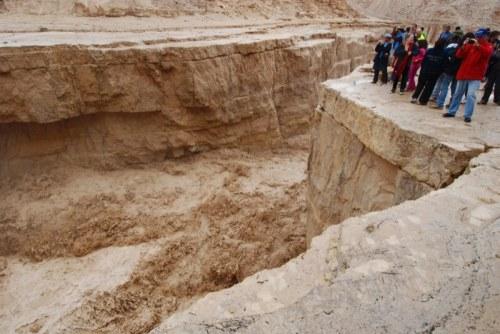 שיטפונות בזק מאופיינים בפרקי זמן קצרים של גשם חזק. באזורים שבהם הקרקע לא מאפשרת חלחול. צילום: ilan molcho, Flickr