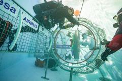 ניסוי מתחת למים של מדגם אפשרי של מנעל האוויר ESPRIT. צילום: בנימין שולצה, עבור סוכנות החלל האירופית