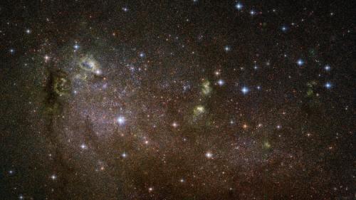 הגלקסיה השכנה IC 10 - גלקסיה לא סדורה ובה התפרצות יצירת כוכבים. צילום: טלסקופ החלל האבל, NASA