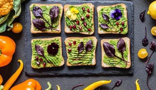 צבעי מאכל טבעיים. צילום: מעבדתו של פרופ' אסף אהרוני, מכון ויצמן